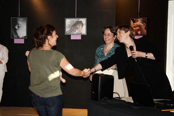 La Biblioteca di Scandicci ospita le foto sull'allattamento